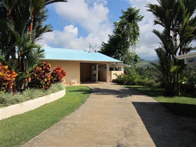 Fully Furnished home in Platanillo