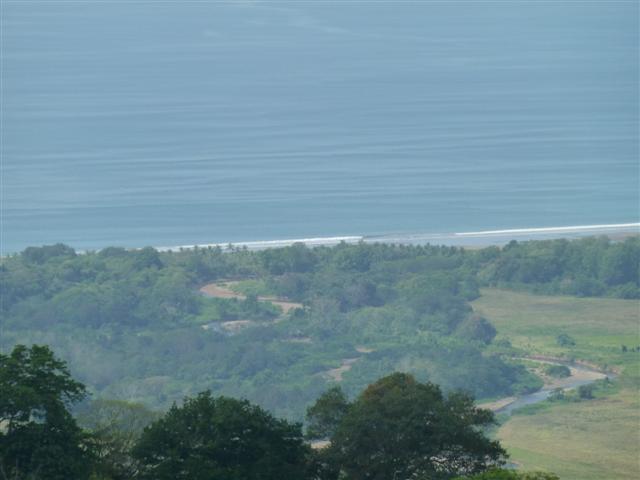 Lot With Beautiful Ocean Views at Doiminical