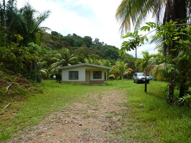 Cute 2 bedroom home in Dominical, Baru.