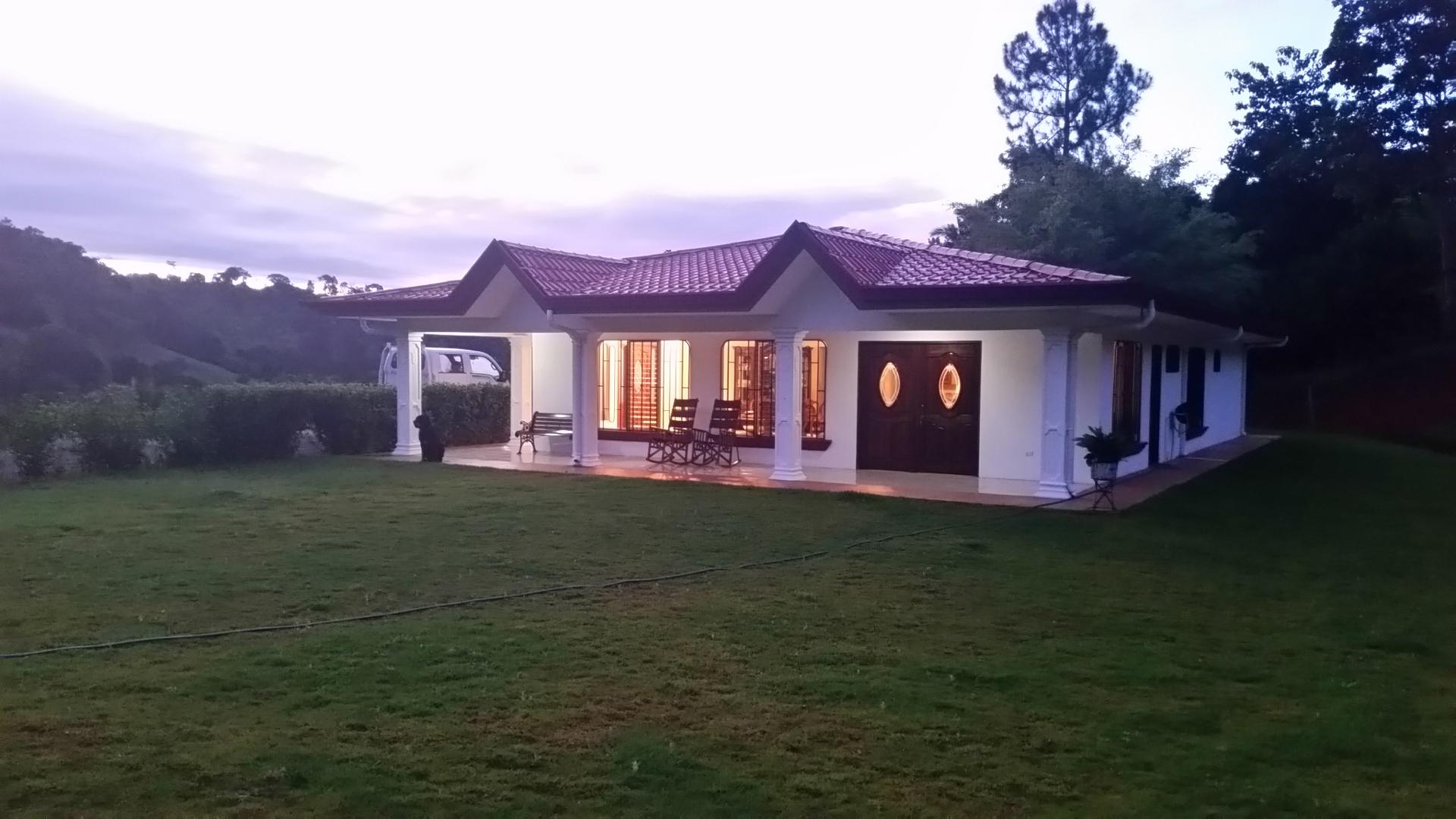4 Bedroom house in Pérez Zeledón, Santa Rosa