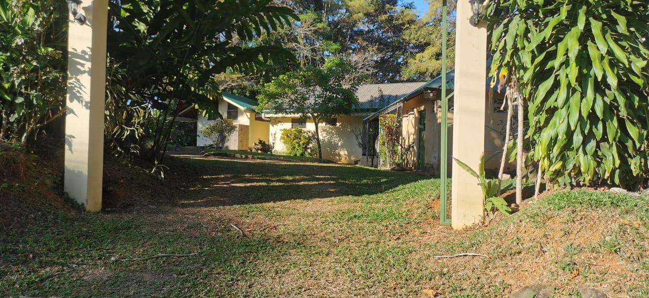 1 Lot 1 house 1 cabin 1 car for sale in Platanillo, Pérez Zeledón