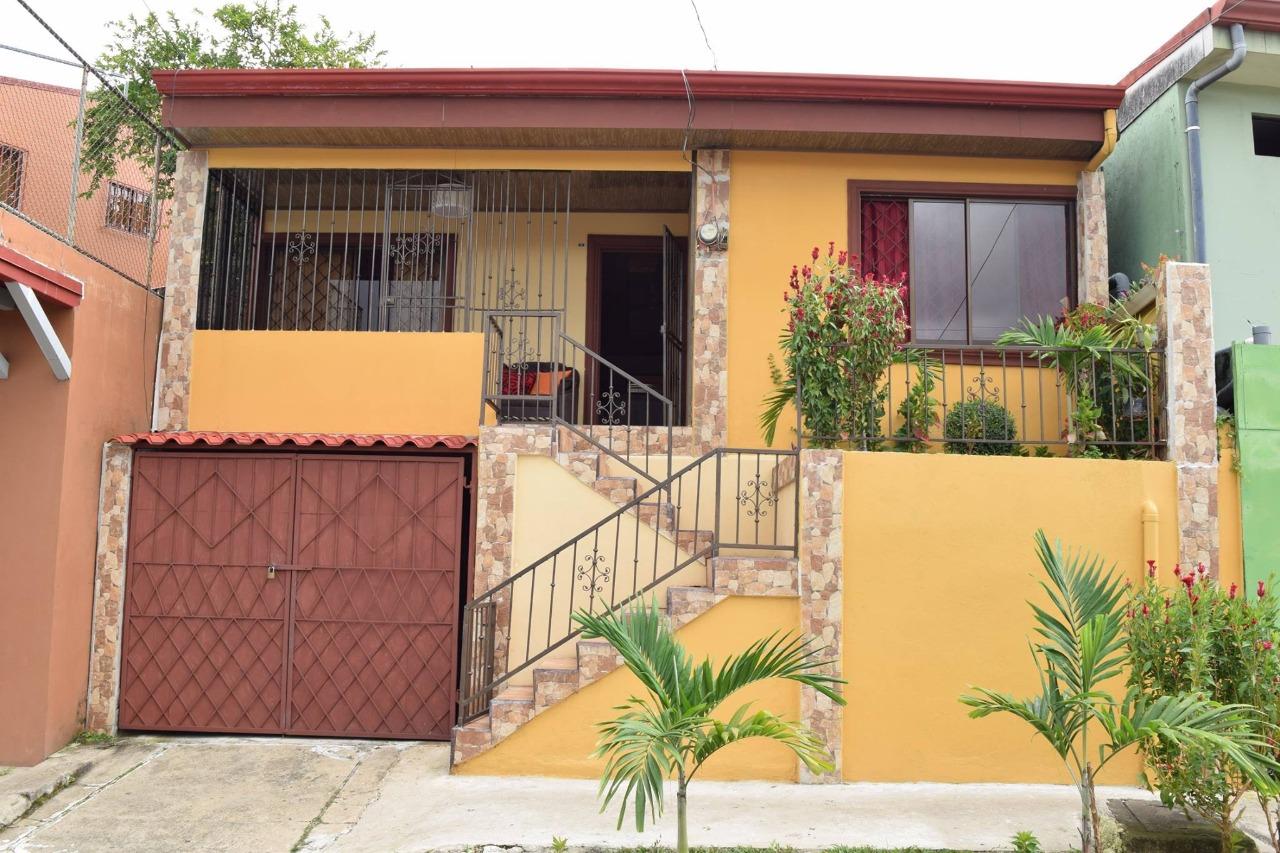Nice house for sale in the heart of San Isidro, Pérez Zeledón!!!