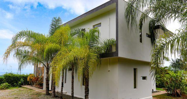 contemporary-home-uvita-9318-640x360