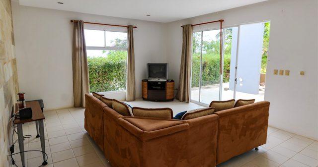 contemporary-home-uvita-9324-640x360