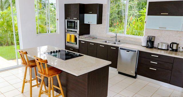 contemporary-home-uvita-9338-640x360