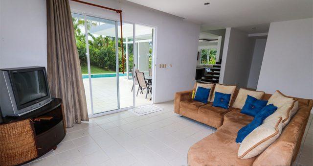 contemporary-home-uvita-9346-640x360