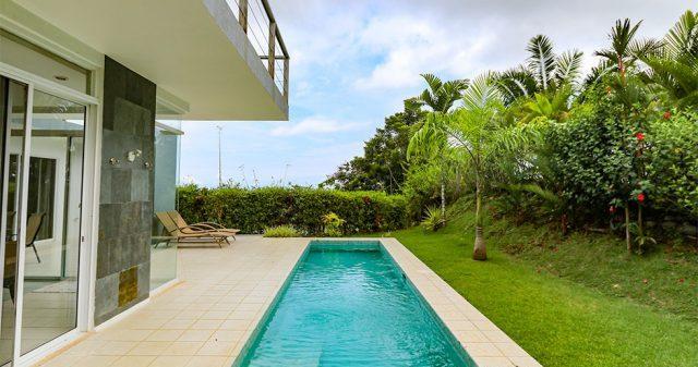 contemporary-home-uvita-9375-640x360