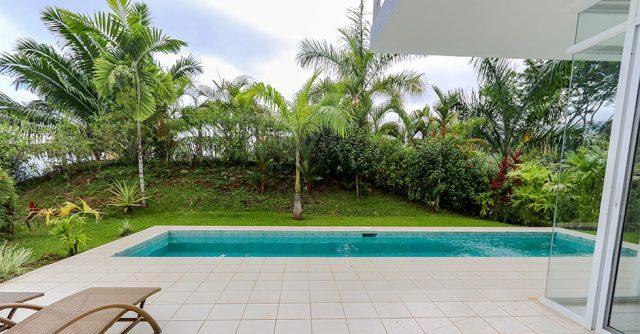 contemporary-home-uvita-9384-640x360