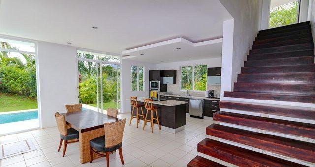 contemporary-home-uvita-9393-640x360