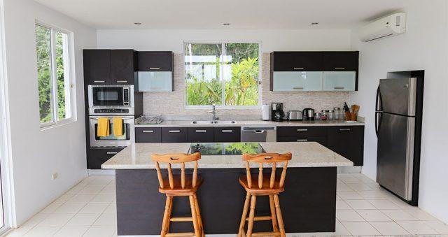 contemporary-home-uvita-9400-640x360