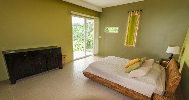 contemporary-home-uvita-9507-640x360