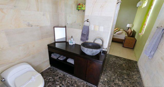 contemporary-home-uvita-9530-640x360