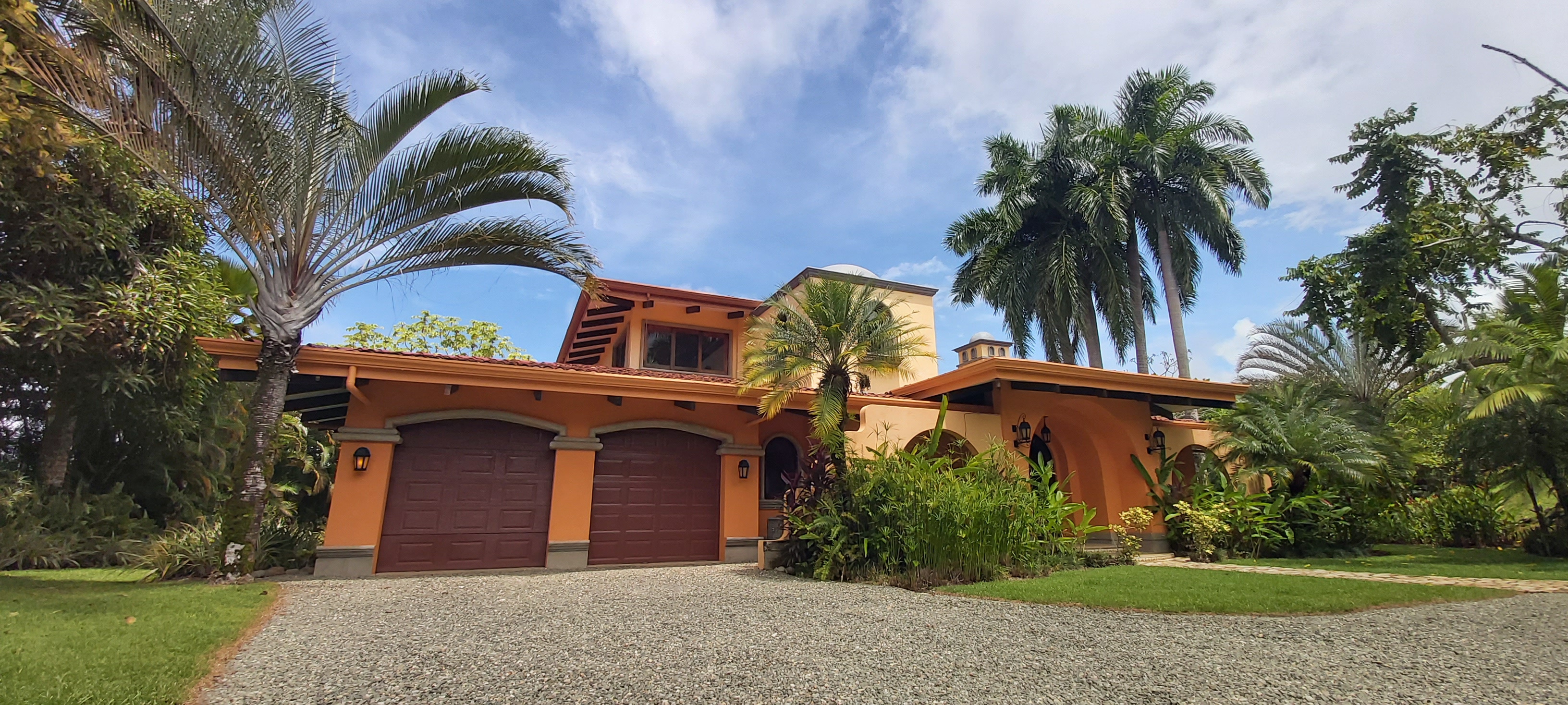 Private and Easy Access Home-Dominical