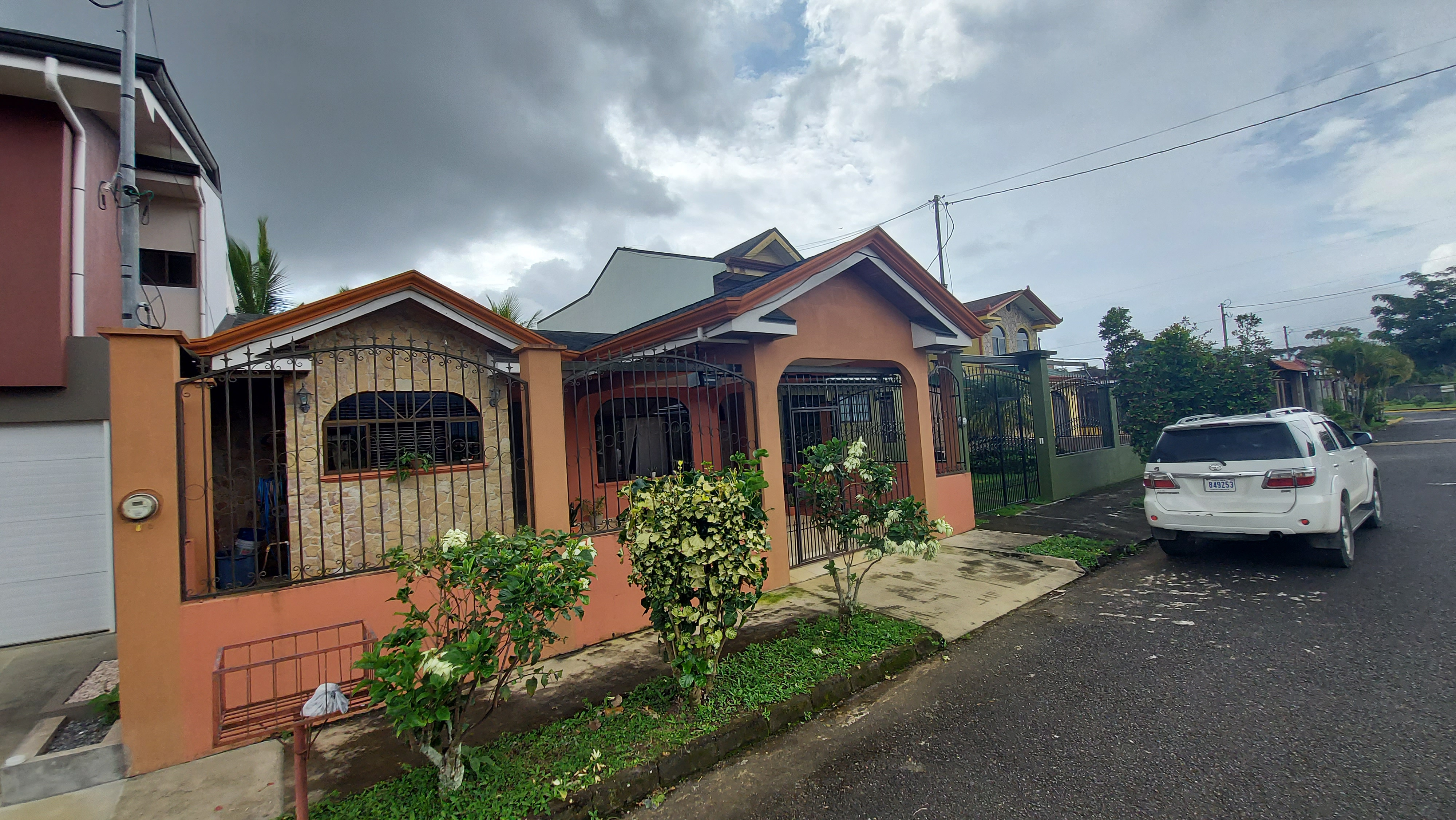 Beautiful house in Residencial Monte General, Perez Zeledon