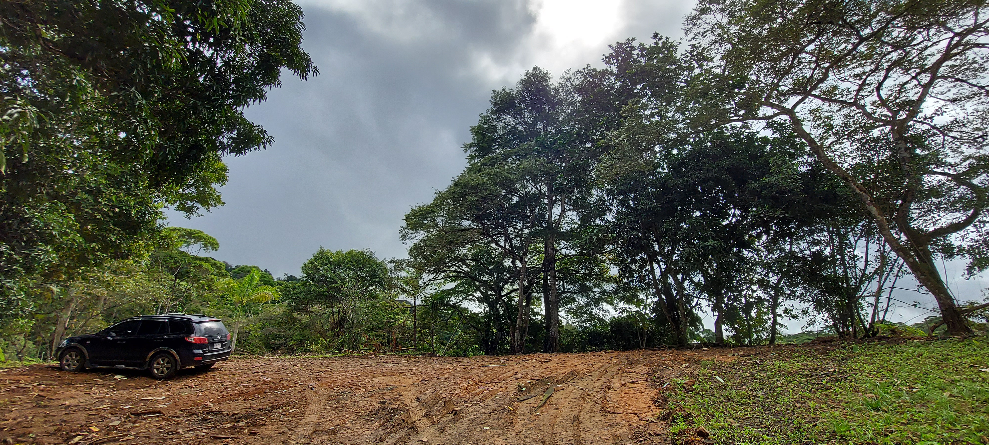 Beautiful property with flat area ready to build in Platanillo, Baru