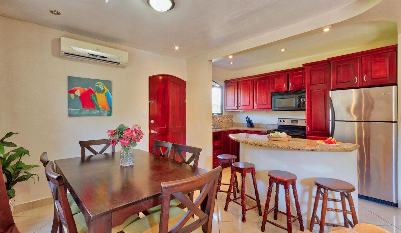 Las-brisas-resort-and-villas-dining