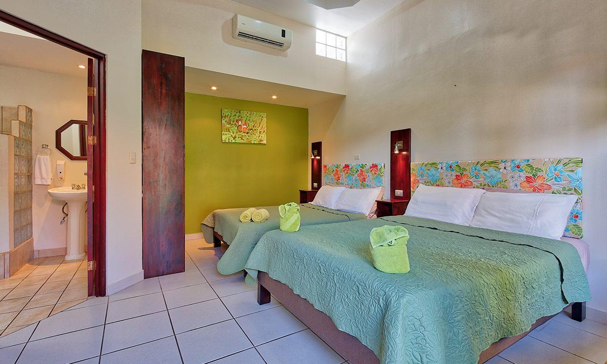 Las-brisas-resort-and-villas-green-room