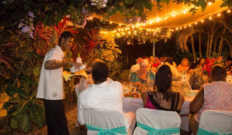 Las-brisas-resort-and-villas-reception