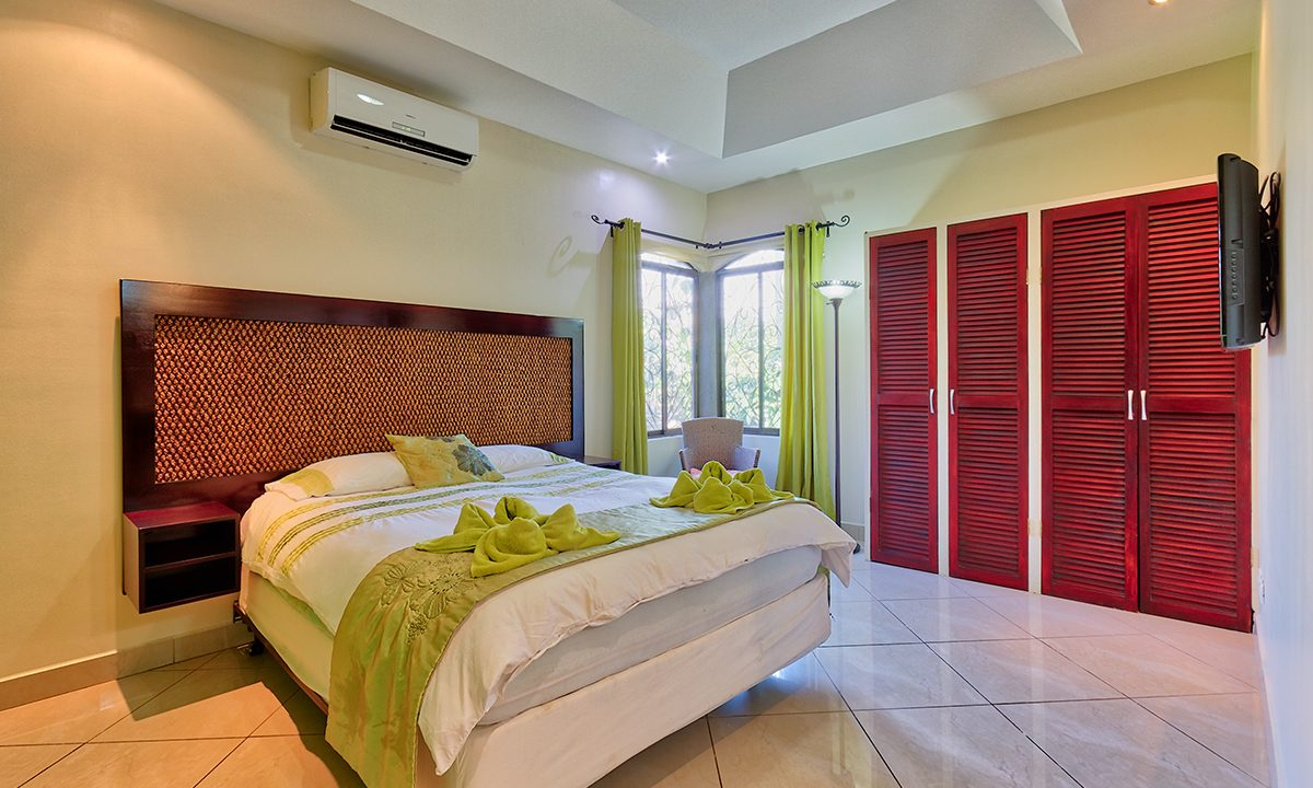 Las-brisas-resort-and-villas-villa-bedroom