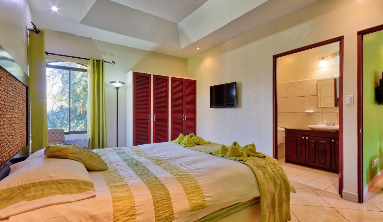 Las-brisas-resort-and-villas-villa-room