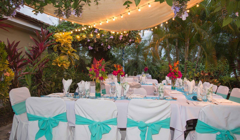 Las-brisas-resort-and-villas-wedding-table