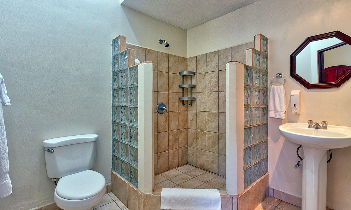 las-brisas-resort-and-villas-room3