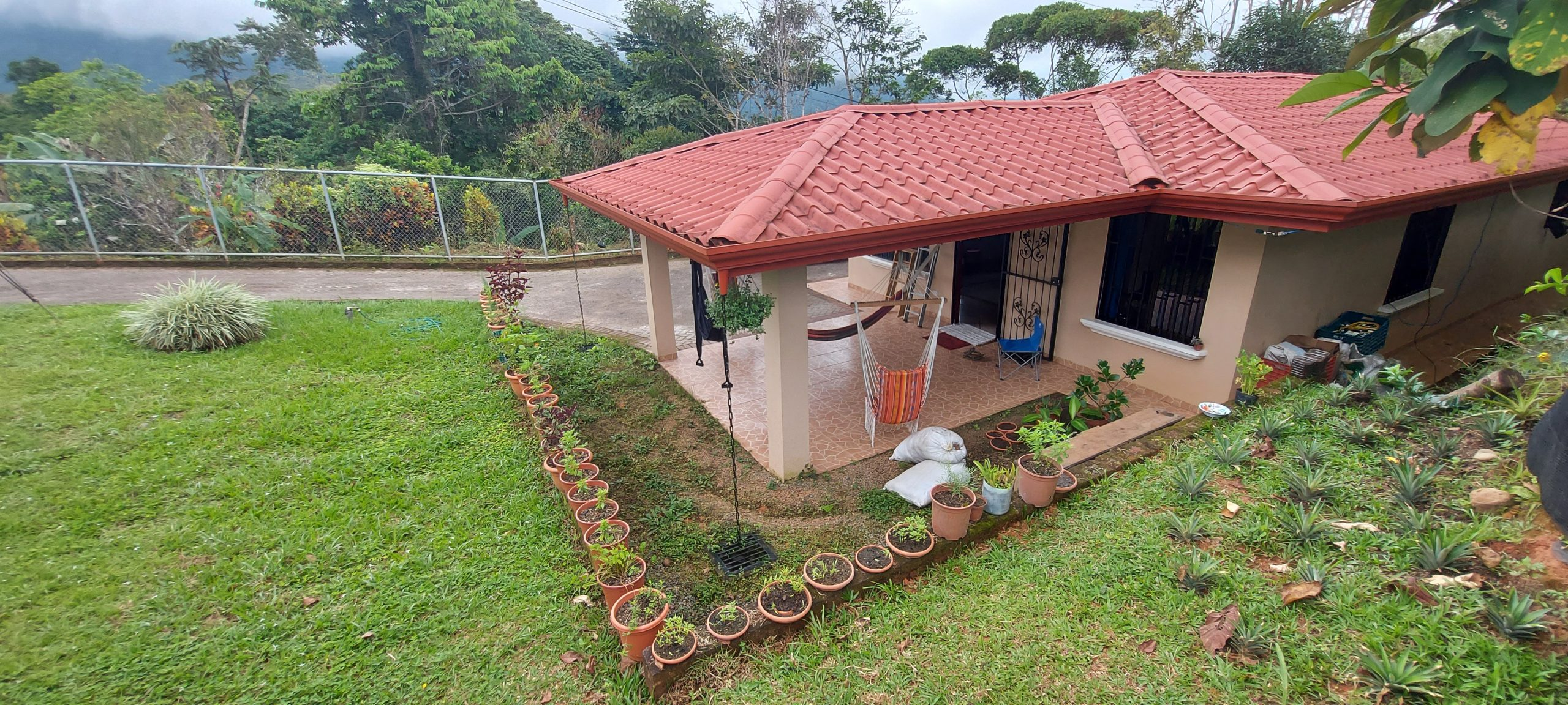 Beautiful house with farm for cultivation or development in Tinamastes, Baru