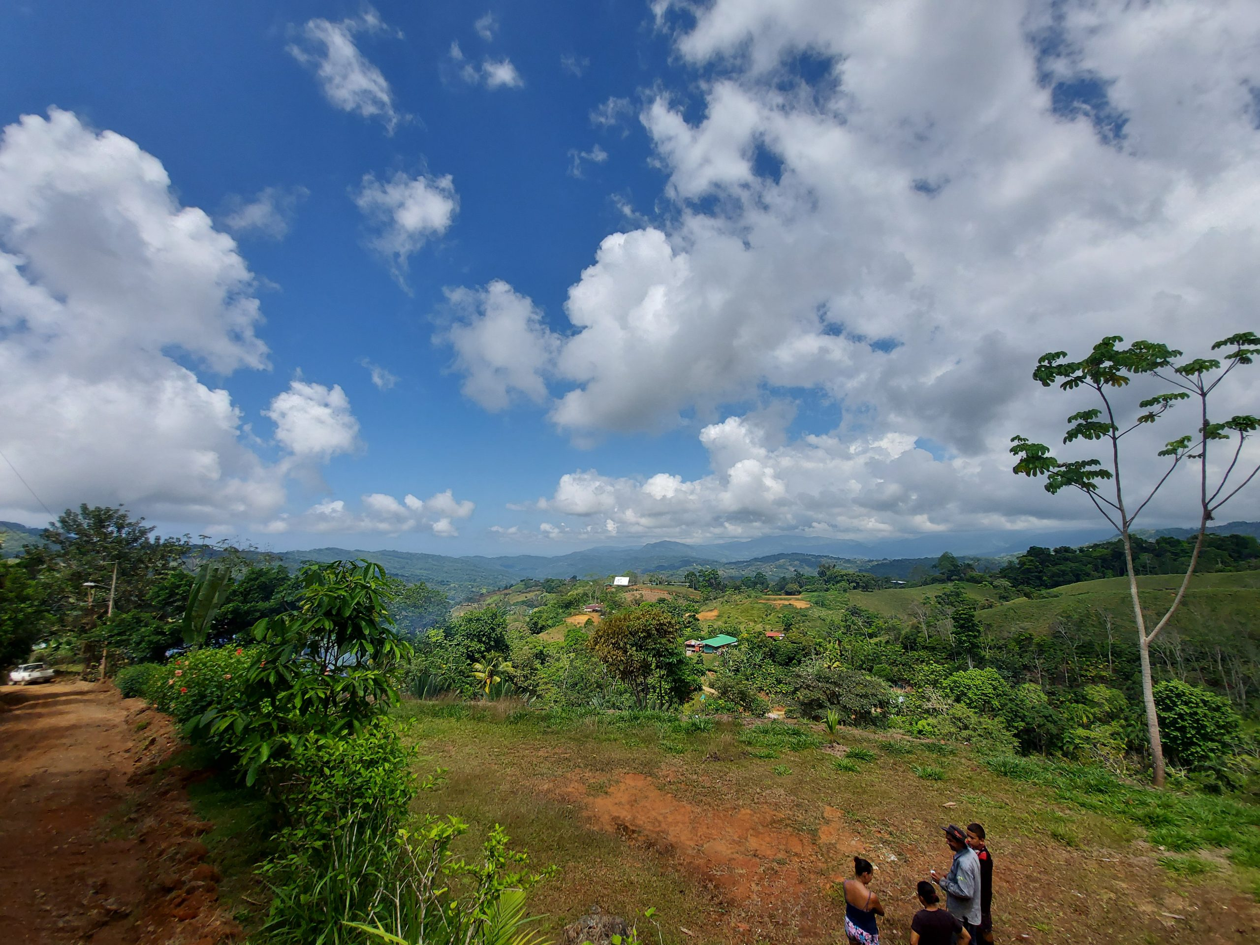 Ocean and mountain view lot ready to build in San Salvador, Baru