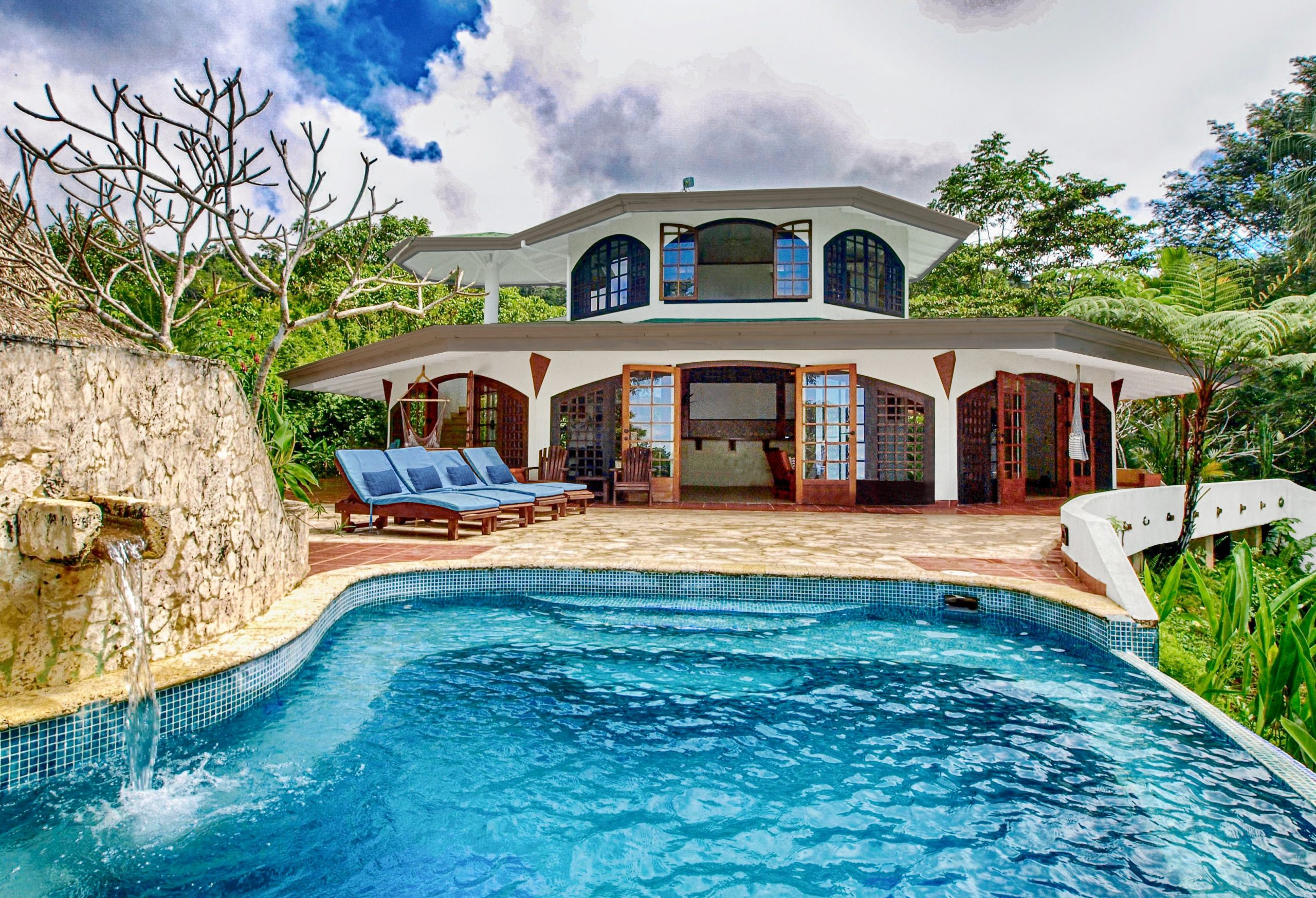 8.8 ACRES 3-Bedroom Tropical Ocean View With Pool In Fabulous Rainforest Setting