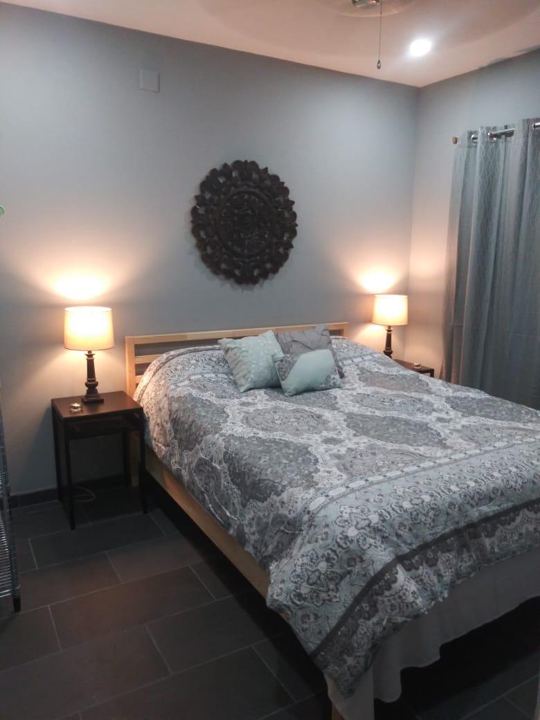 Bedroom_Rear1
